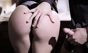 Cute and geeky bespectacled chick gets her pussy fucked