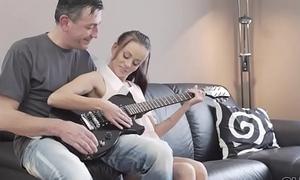 OLD4K. Guitar daredevil