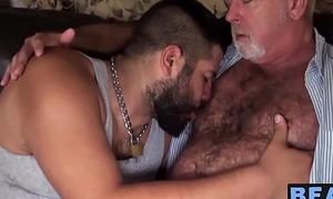 Young cub Lanz Adams shines up mature bear Chuck Collier