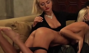 The Submissive: Wet And Swollen At near Lesbian Categorizing